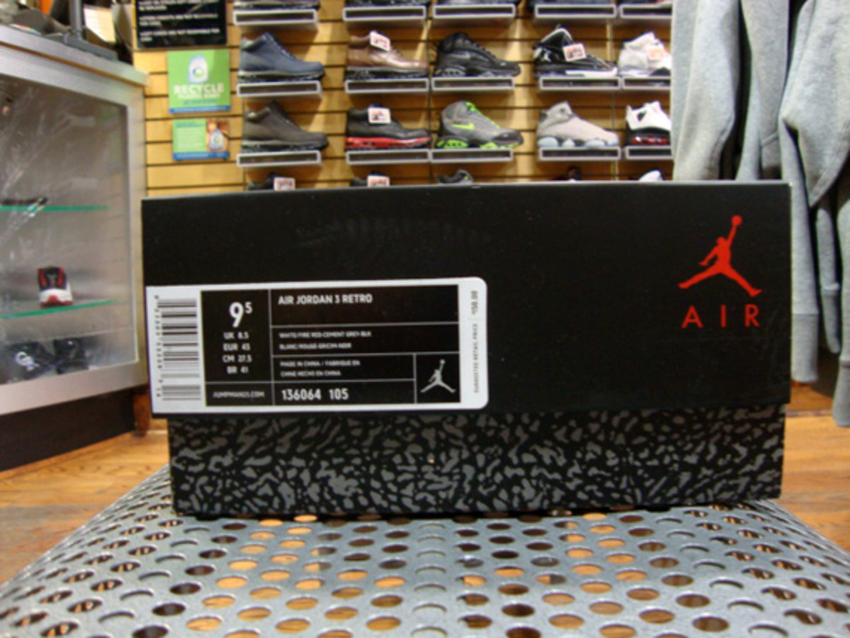 air-jordan-iii-3-white-fire-red-grey-cement-02