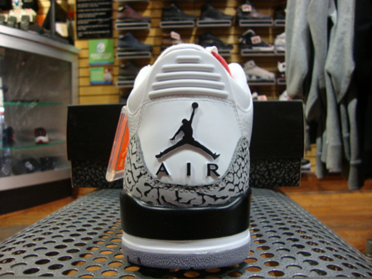 air-jordan-iii-3-white-fire-red-grey-cement-07