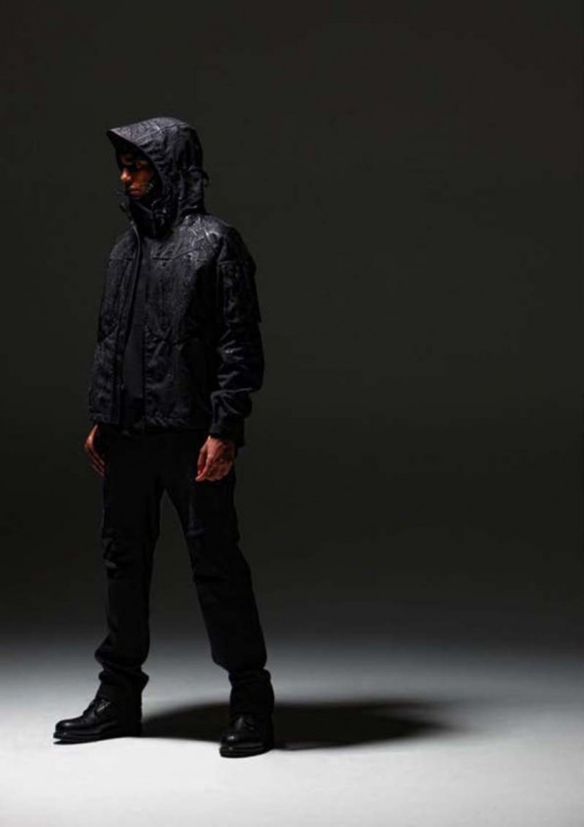 White_Mountaineering_BLK_Fall_Winter_2010_Collection_7