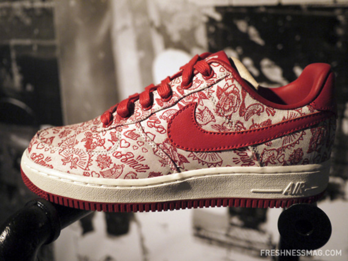 nike-sportswear-spring-2011-preview-china-media-summit-36