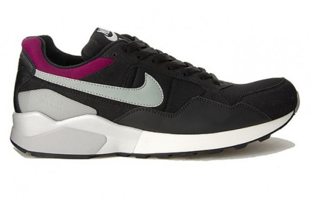 nike-air-pegasus-black-1