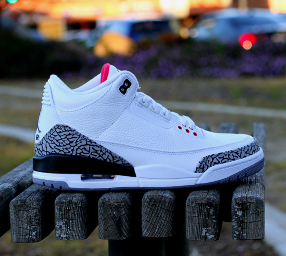 air-jordan-iii-3-white-cement-grey-02
