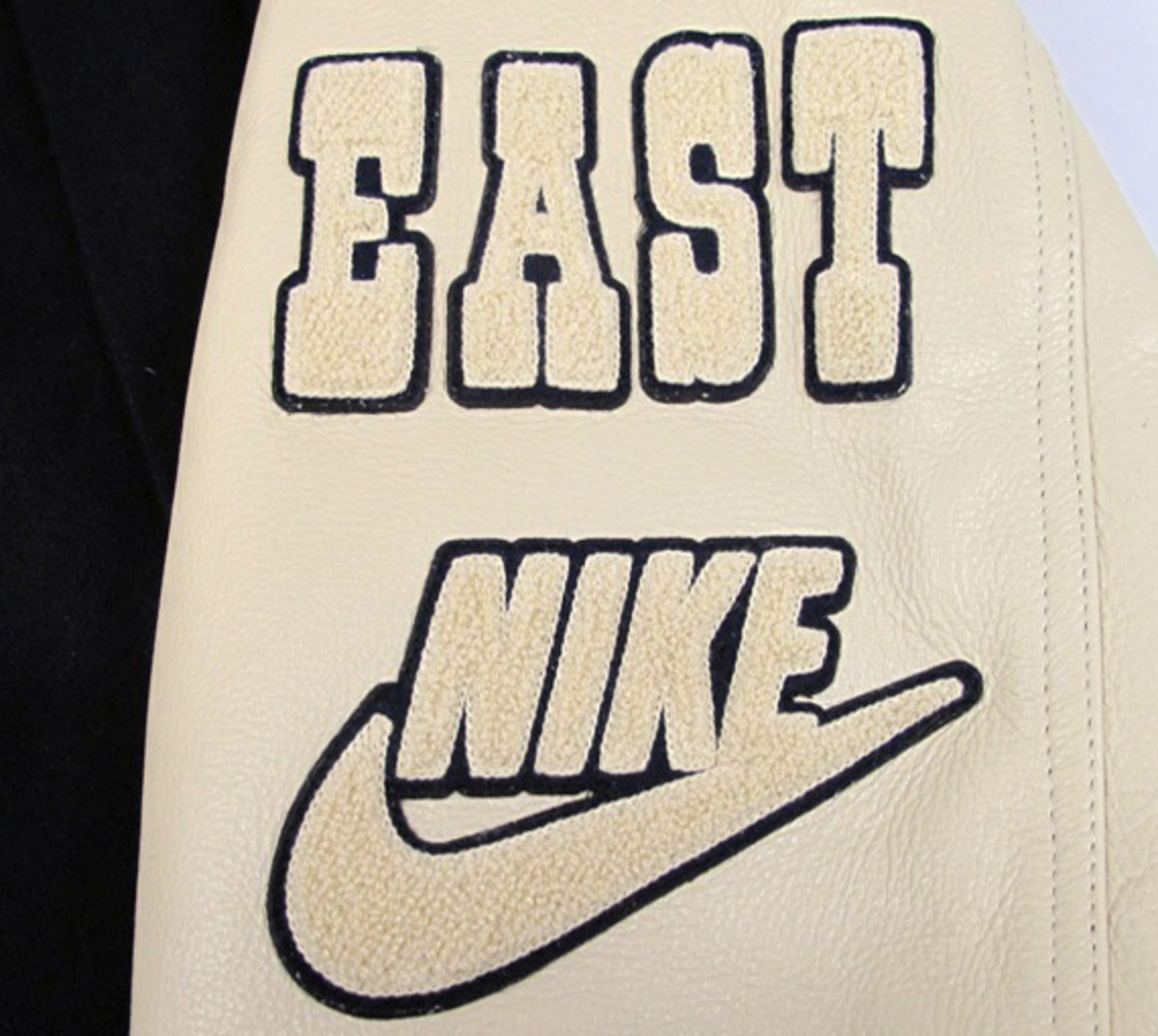 nike-sportswear-athletics-east-destroyer-jacket-01