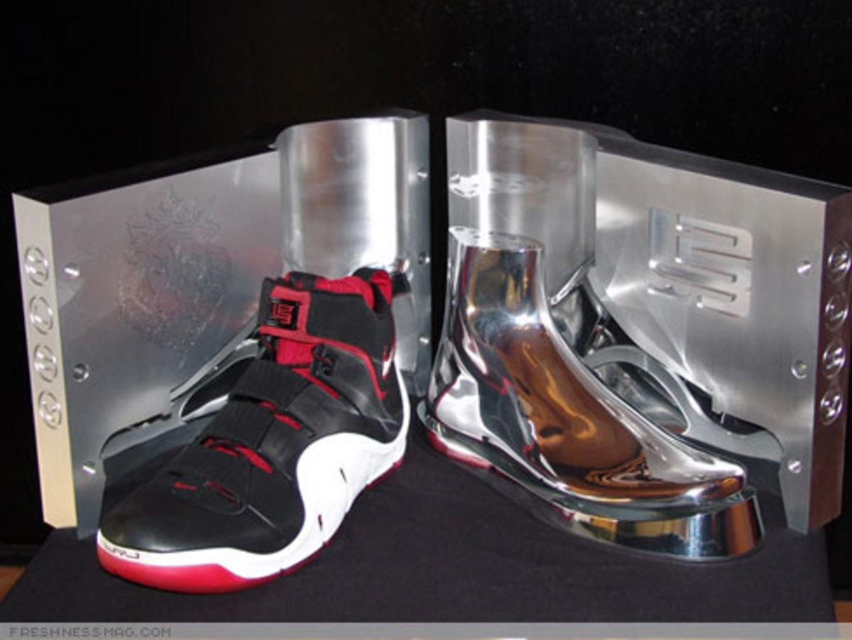 "LeBron ""Funds For Public Schools"" Charity Auctions - 6"
