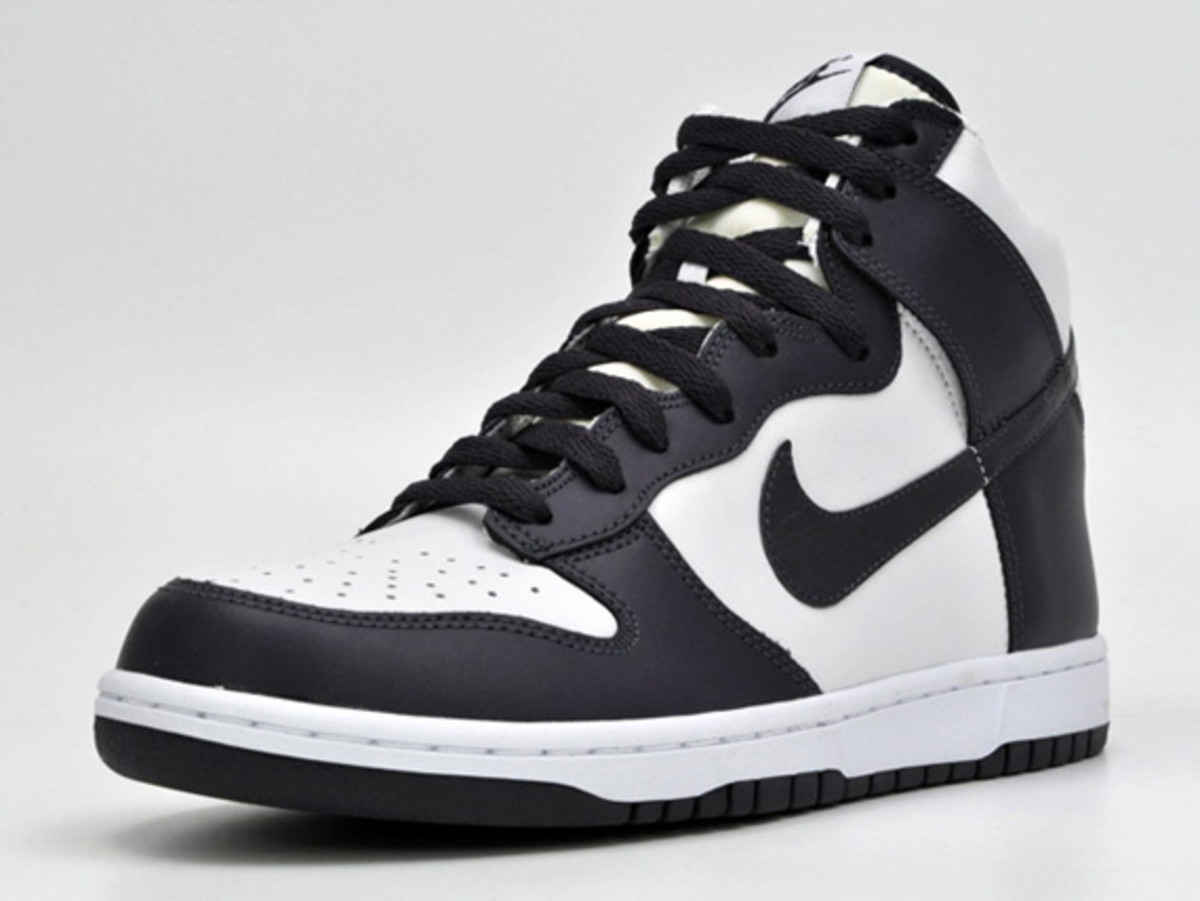 nike-dunk-high-low-ostrich-swoosh-06