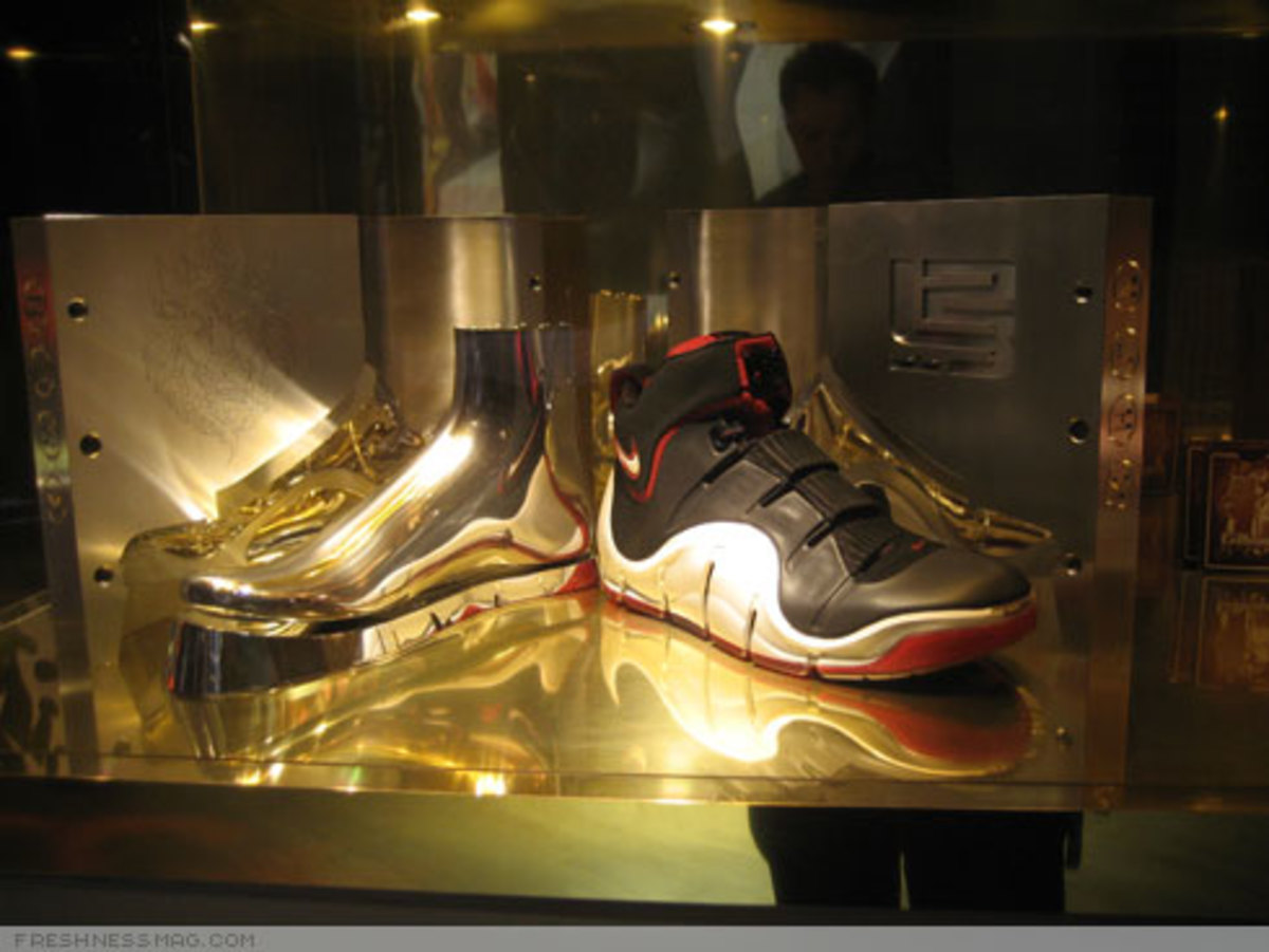 "LeBron ""Funds For Public Schools"" Charity Auctions - 3"