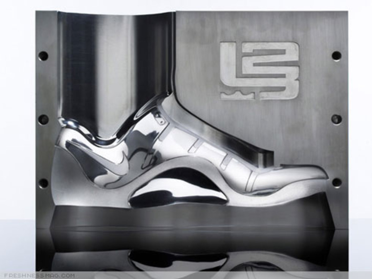 "LeBron ""Funds For Public Schools"" Charity Auctions - 4"