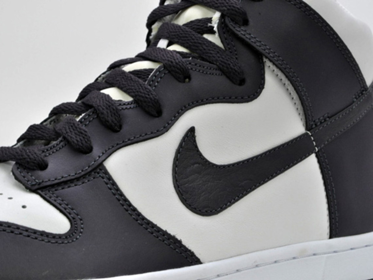 nike-dunk-high-low-ostrich-swoosh-05