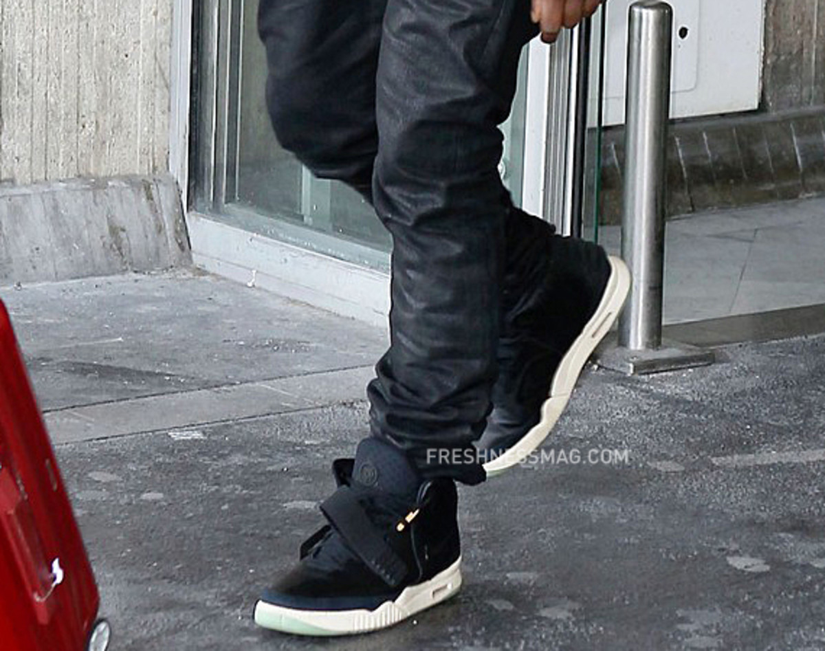 kanye-west-nike-air-yeezy-2-london-08