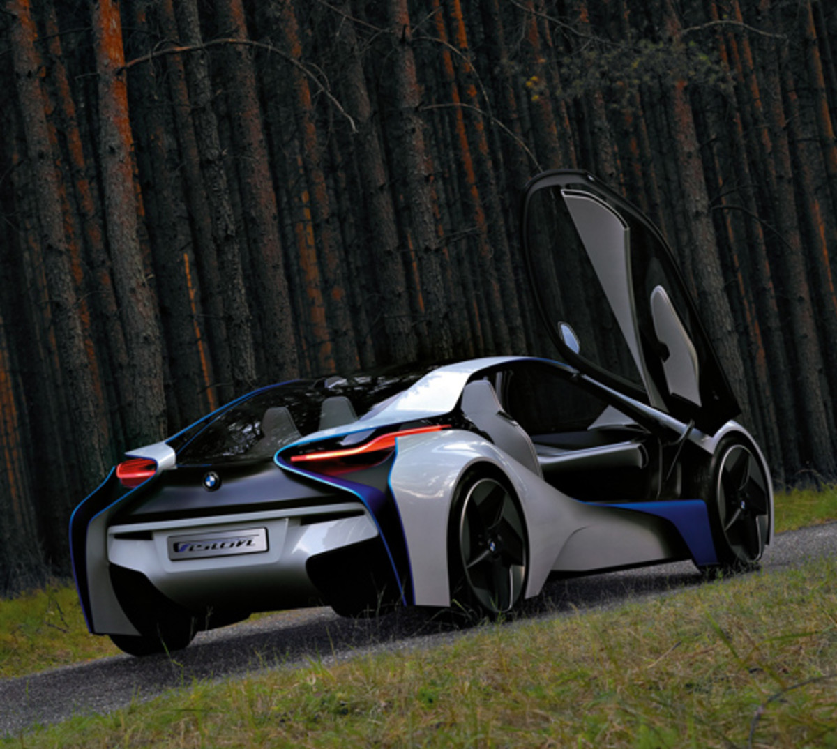 BMW-Vision-EfficientDynamics-woods-02