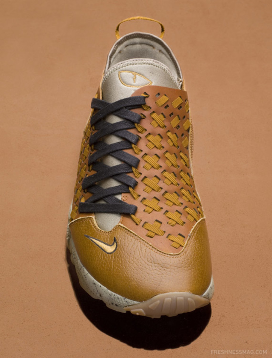 nike-air-footscape-woven-motion-hazelnut-03