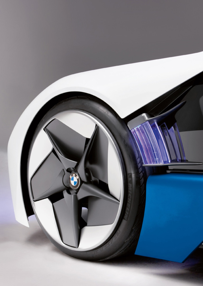 BMW-Vision-EfficientDynamics-studio-05