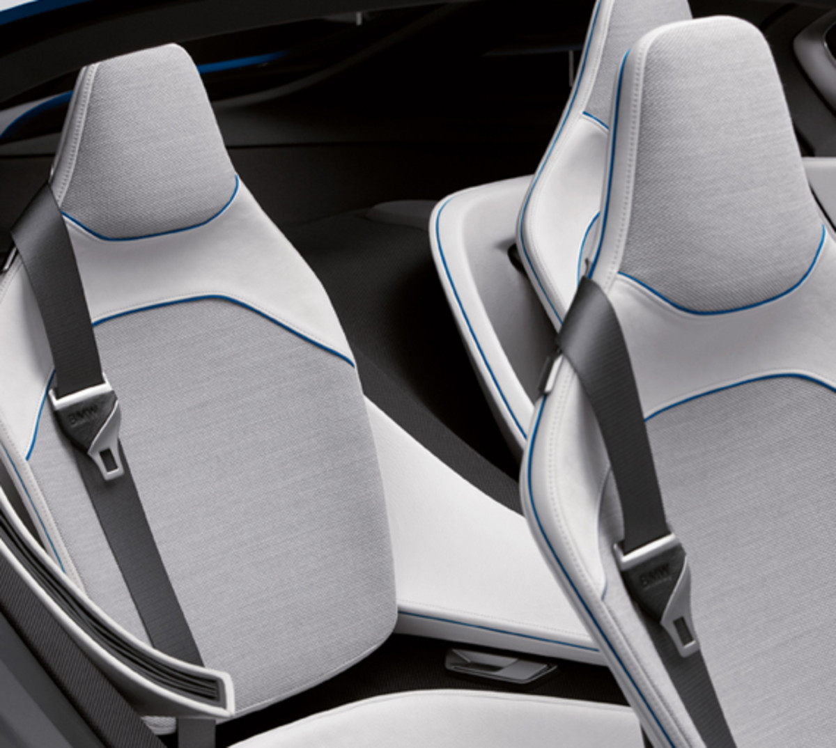 BMW-Vision-EfficientDynamics-studio-08