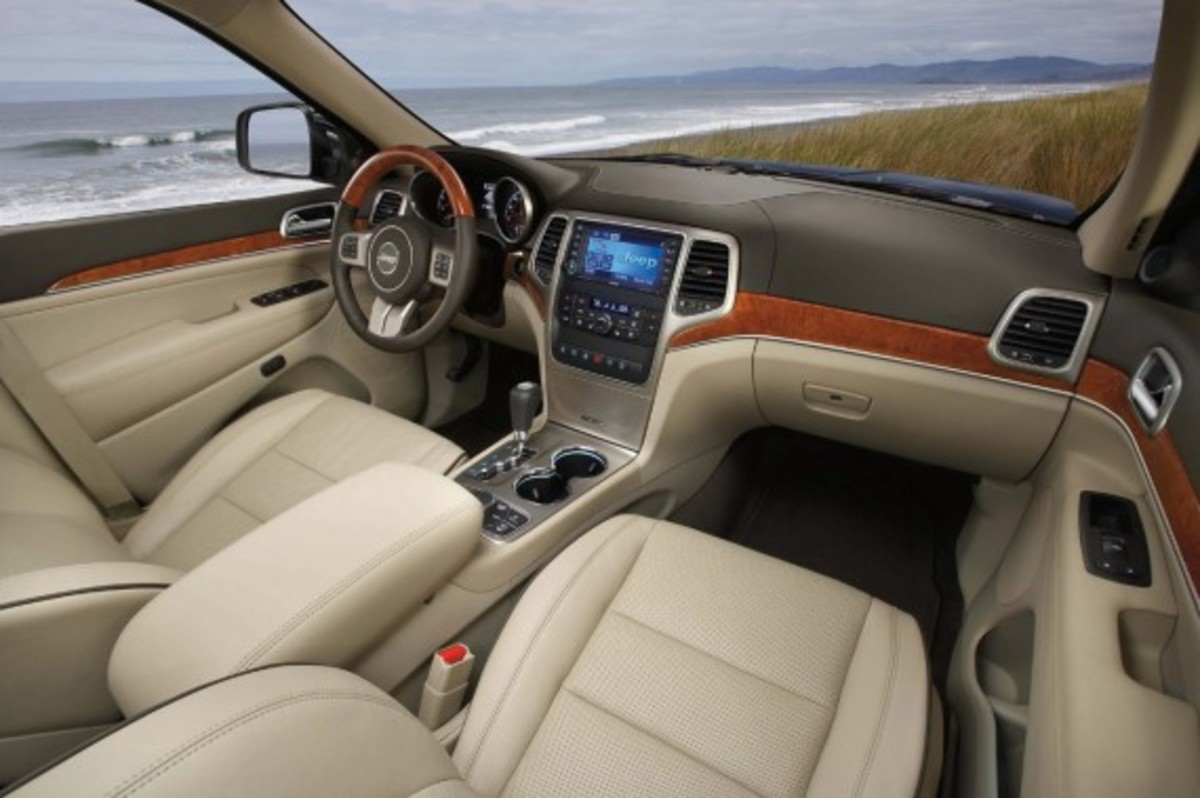Ward's 10 Best Car Interiors 15