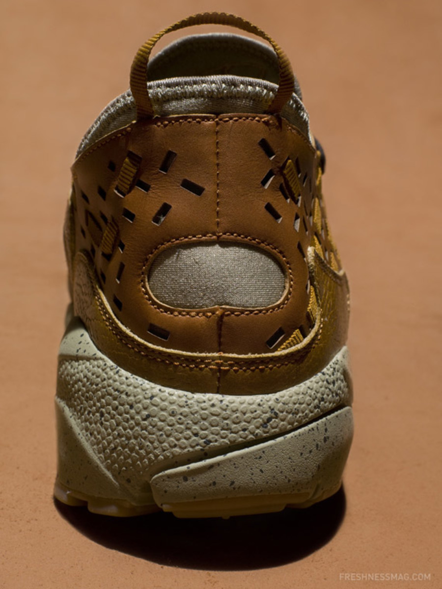 nike-air-footscape-woven-motion-hazelnut-04