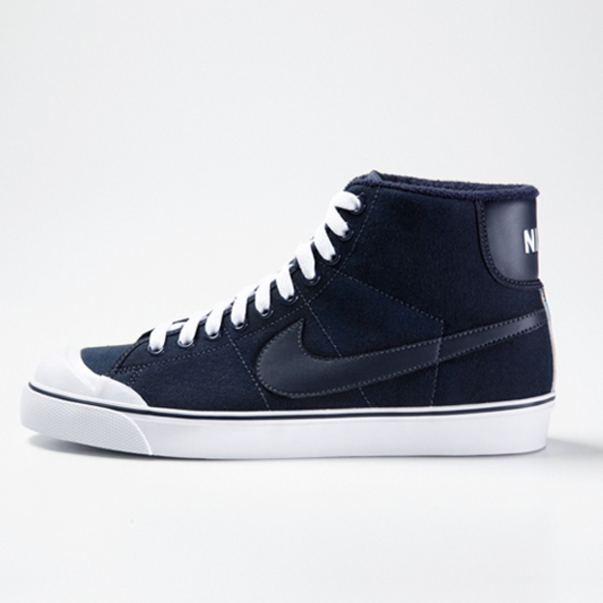 uniform-experiment-nike-all-court-mid-02
