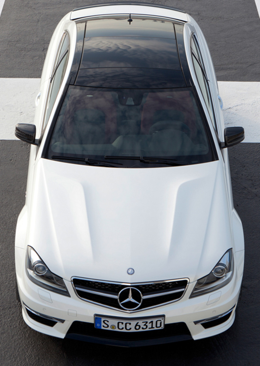 mercedes-benz-c63-amg-coupe-07