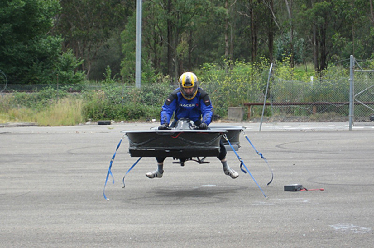 Hoverbike-Chris-Malloy-02