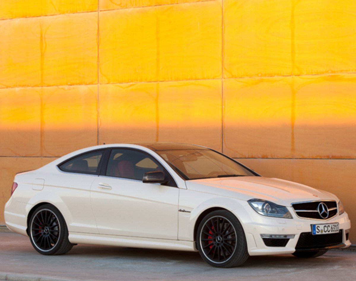 mercedes-benz-c63-amg-coupe-09