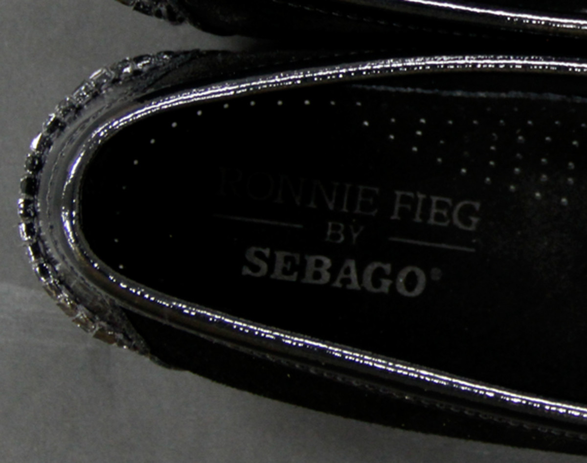 ronnie-fieg-theophilus-london-sebago-triple-black-penny-loafer-04