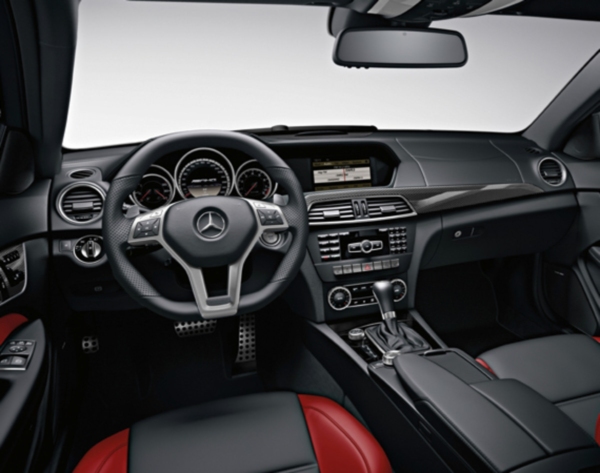 mercedes-benz-c63-amg-coupe-12