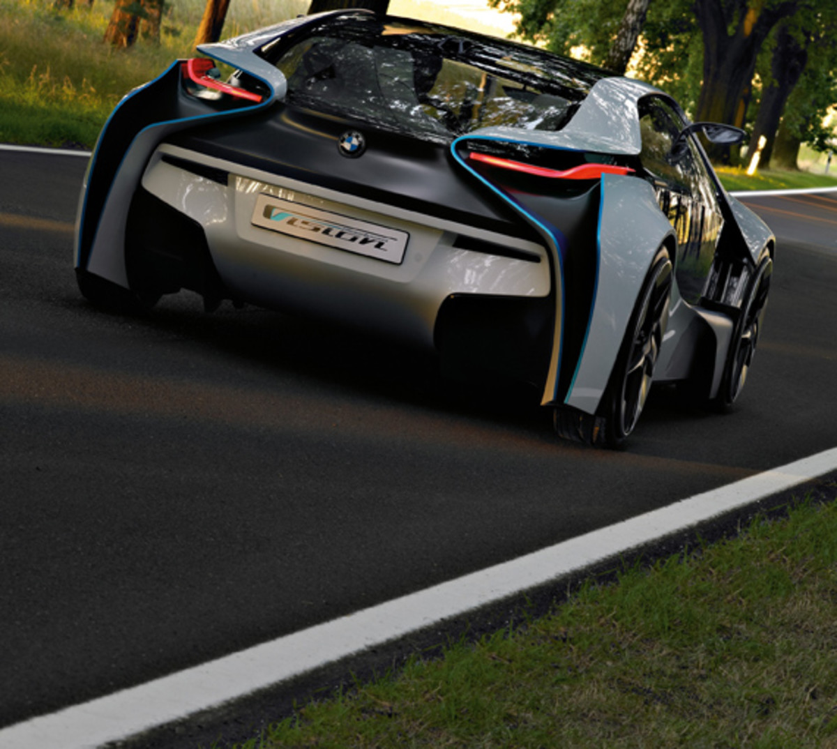 BMW-Vision-EfficientDynamics-woods-07