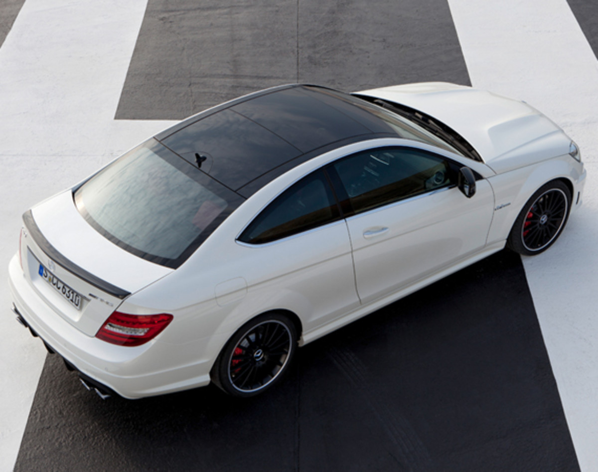 mercedes-benz-c63-amg-coupe-08