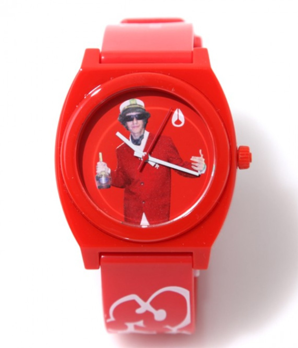 beastie-boys-nixon-time-teller-p-red-02