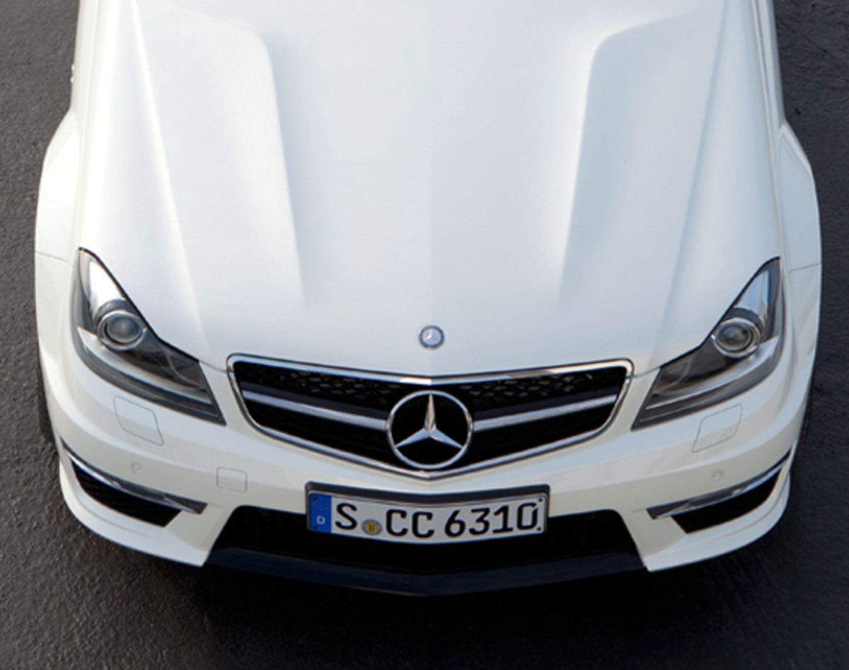 mercedes-benz-c63-amg-coupe-10