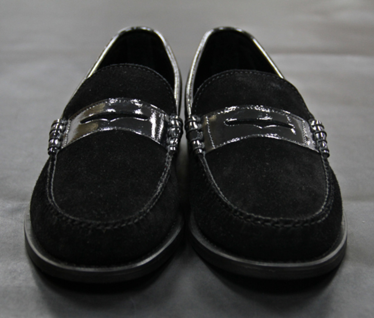 ronnie-fieg-theophilus-london-sebago-triple-black-penny-loafer-01