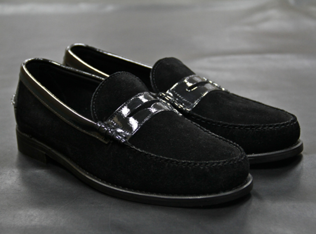 ronnie-fieg-theophilus-london-sebago-triple-black-penny-loafer-02