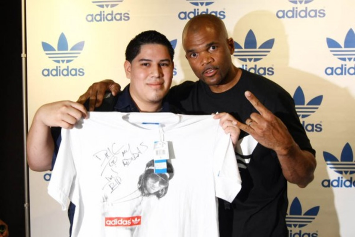 adidas-originals-dmc-queens-mall-18