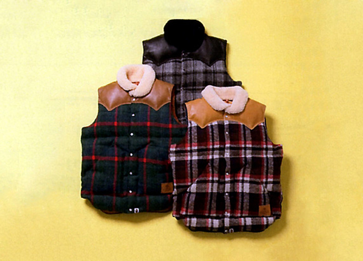 a-bathing-ape-rocky-mountain-featherbed-co-down-vest-01