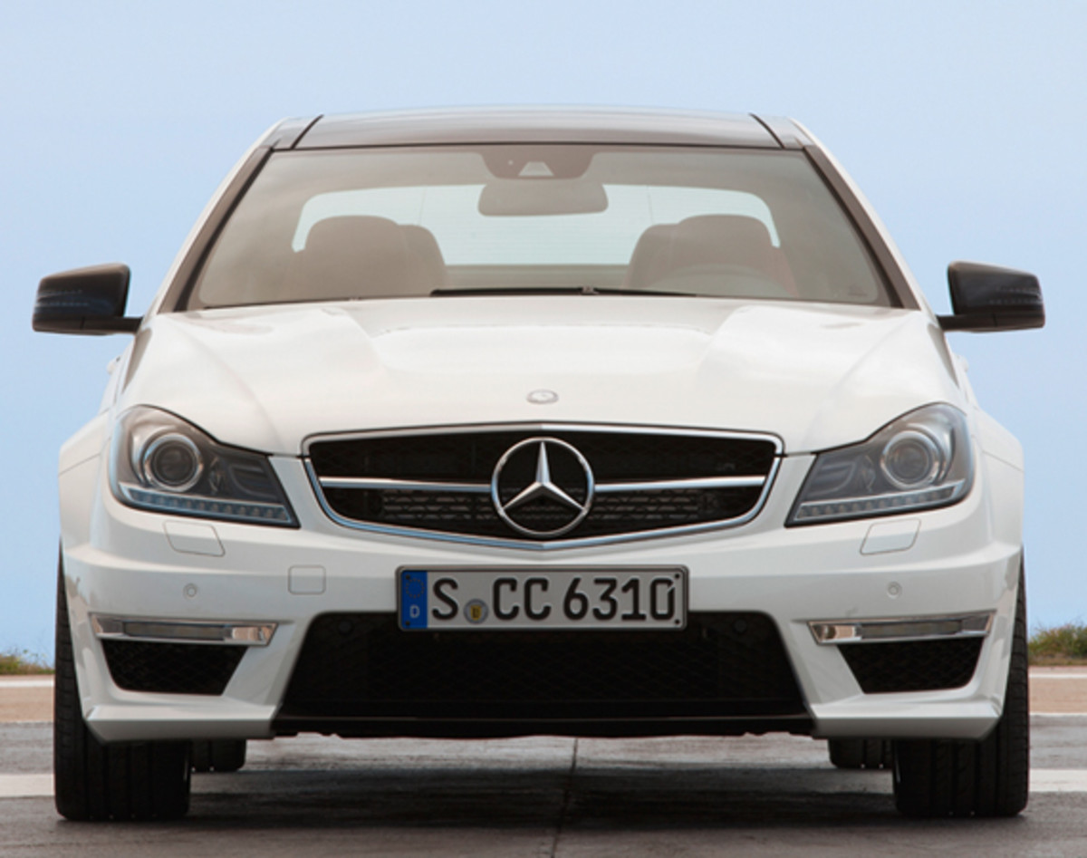 mercedes-benz-c63-amg-coupe-04