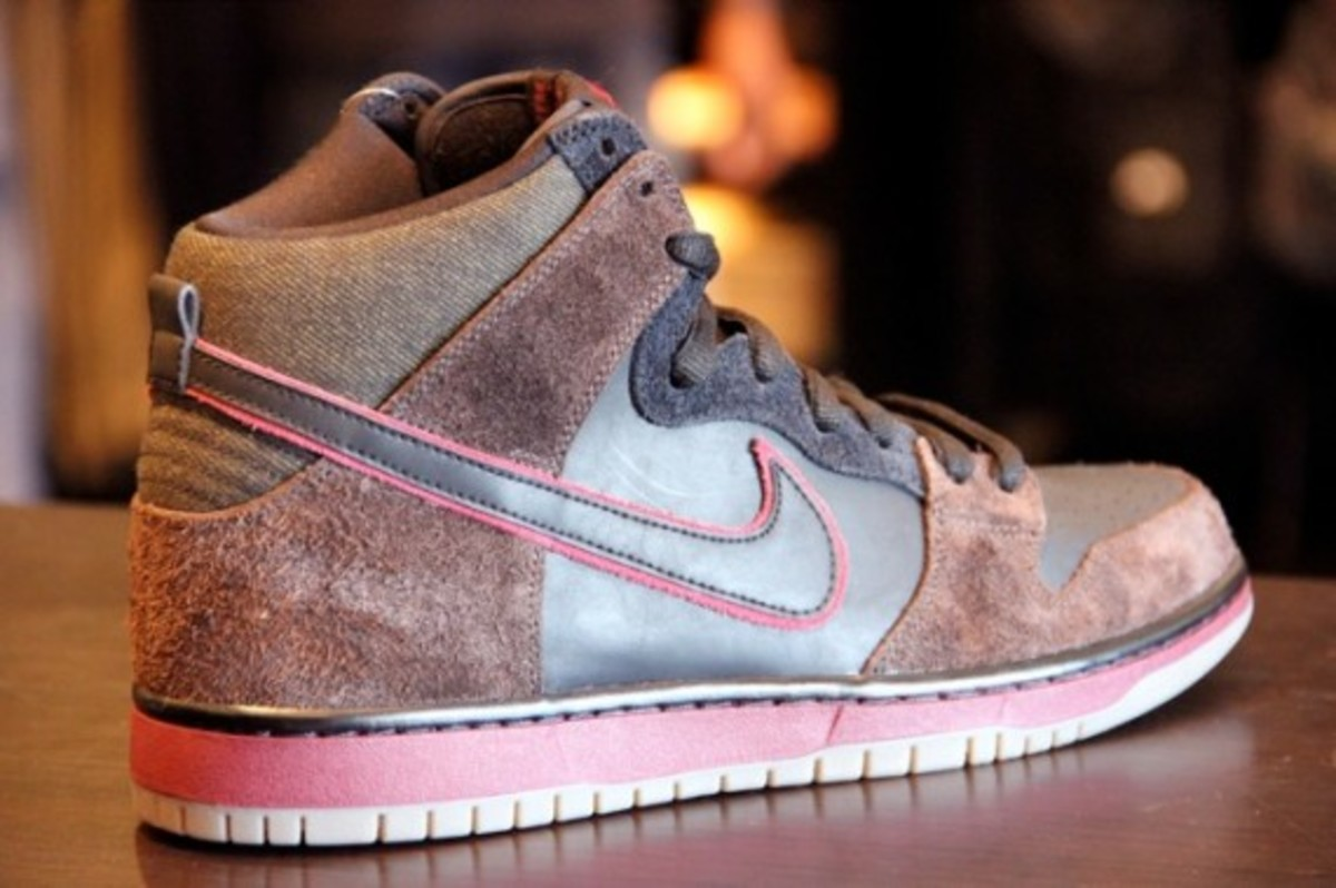 brooklyn-projects-nike-sb-dunk-hi-slayer-02
