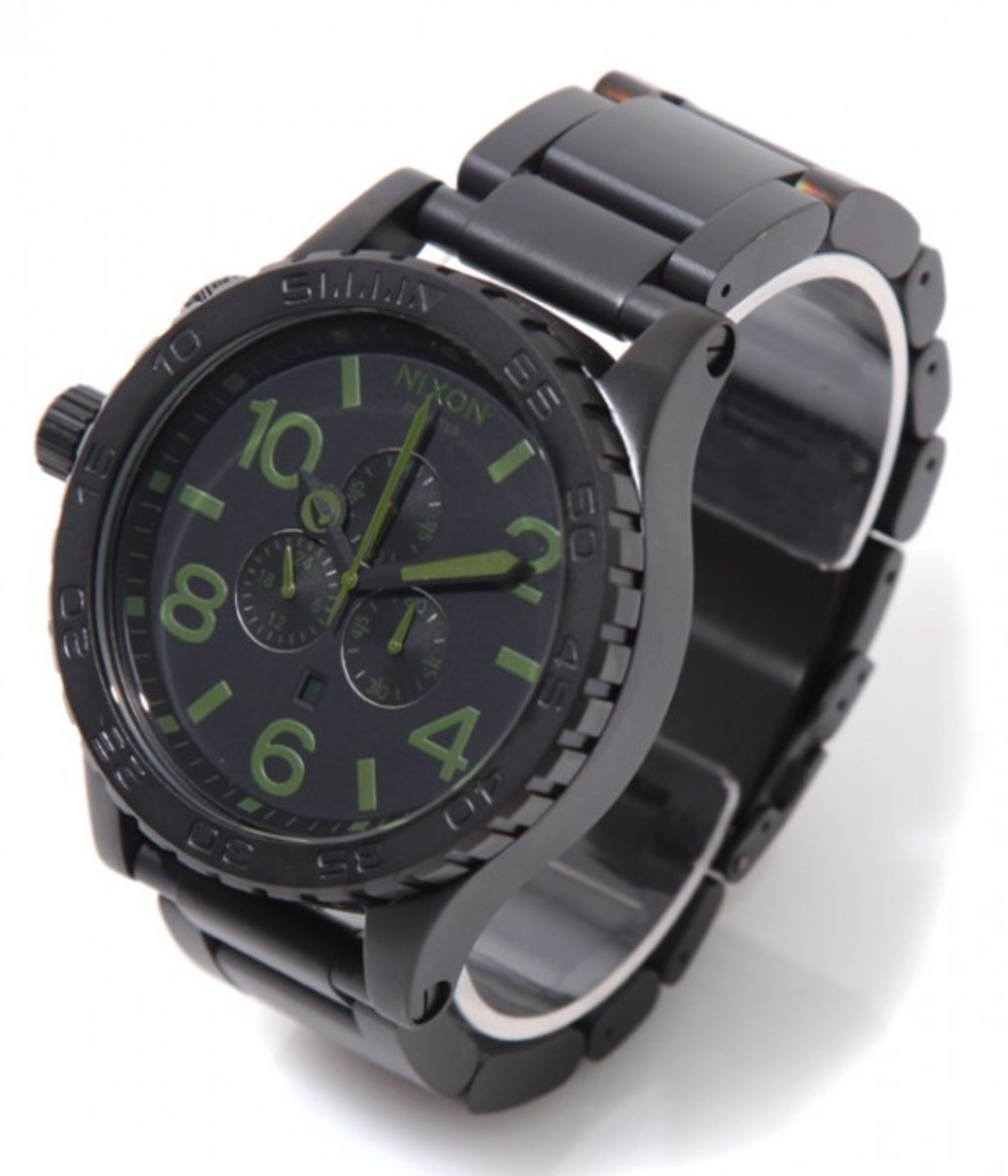 51-30-chrono-black-green-01