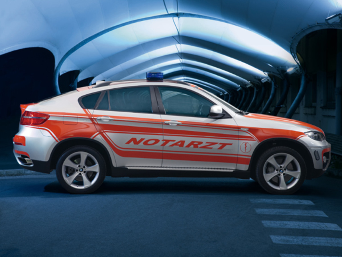 bmw-x6-emergency-vehicle-concept-02