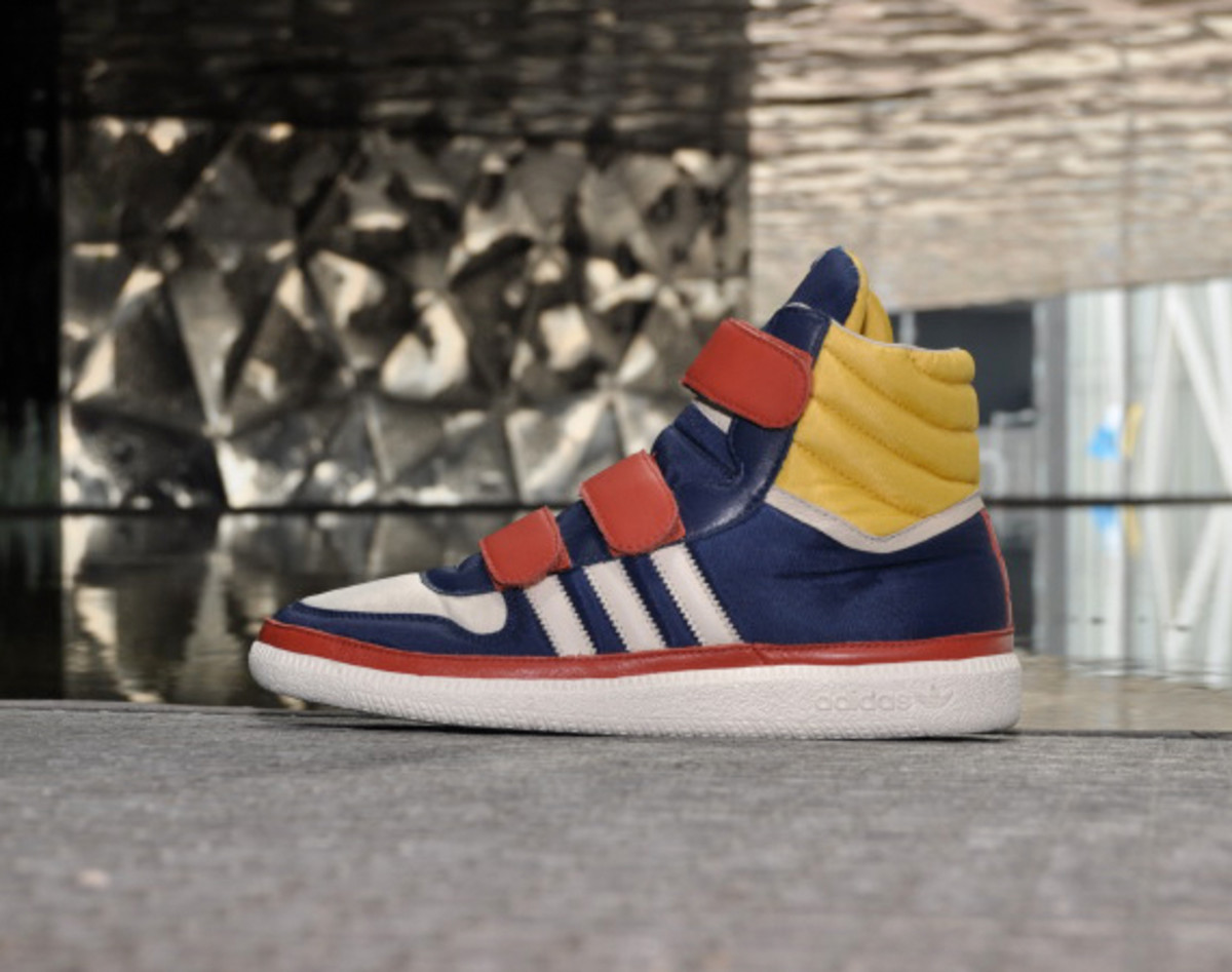 adidas-originals-blue-collection-BIT-textile-00