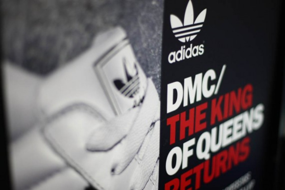 adidas-originals-dmc-queens-mall-01