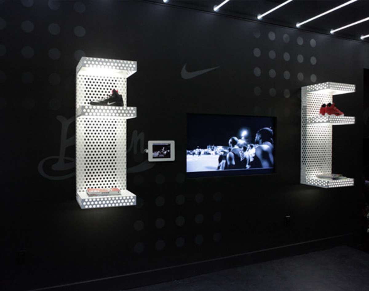 nike-basketball-boulevard-ice-11