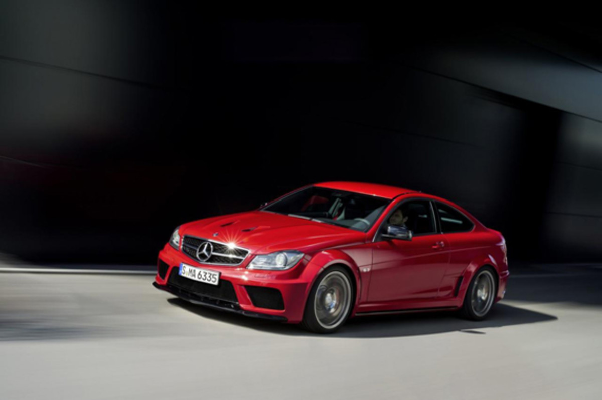 c-63-AMG-coupe-black-series-01