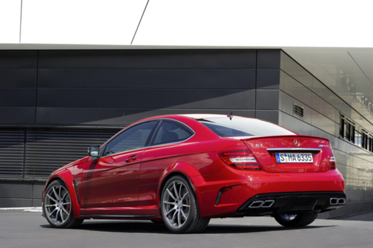 c-63-AMG-coupe-black-series-04