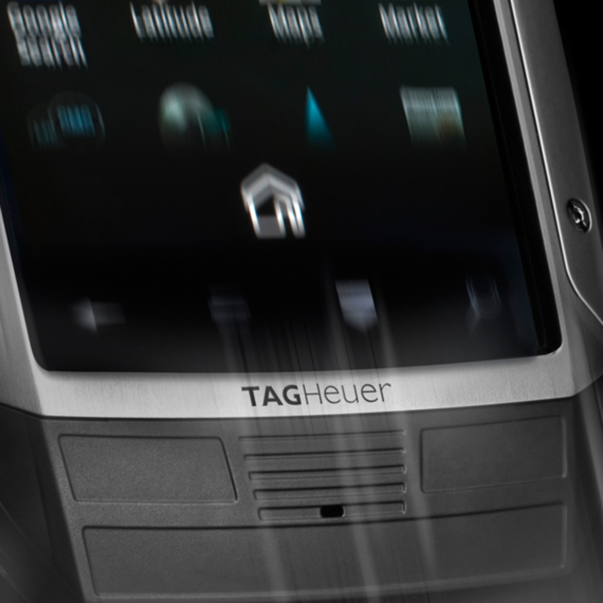 tag-heuer-link-smartphone-swiss-made-02