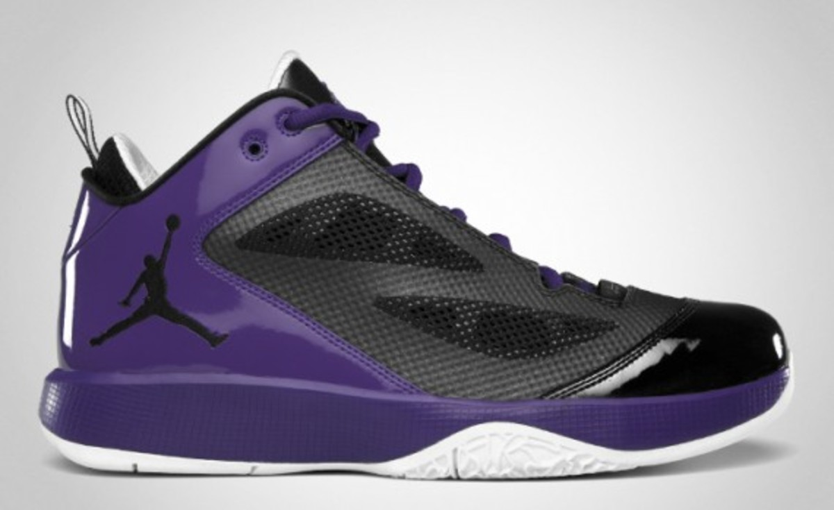 air-jordan-2011-q-flight-02