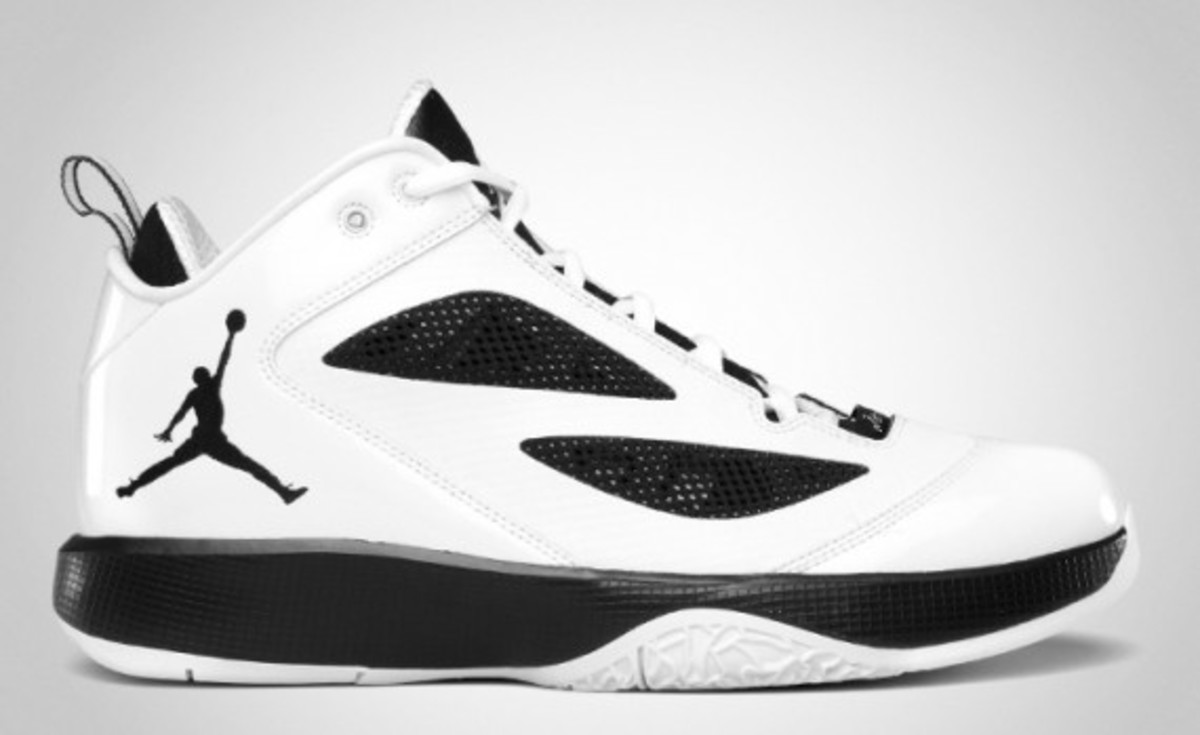 air-jordan-2011-q-flight-05