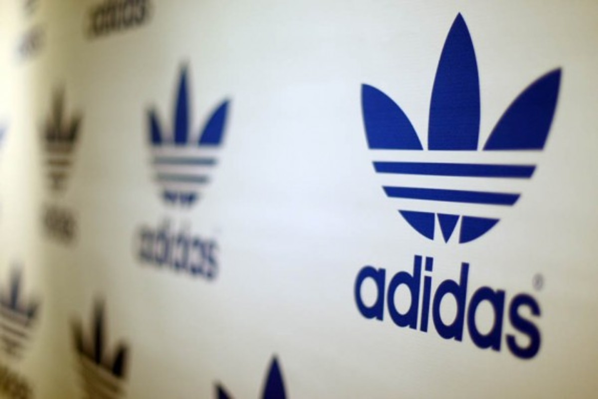 adidas-originals-dmc-queens-mall-03