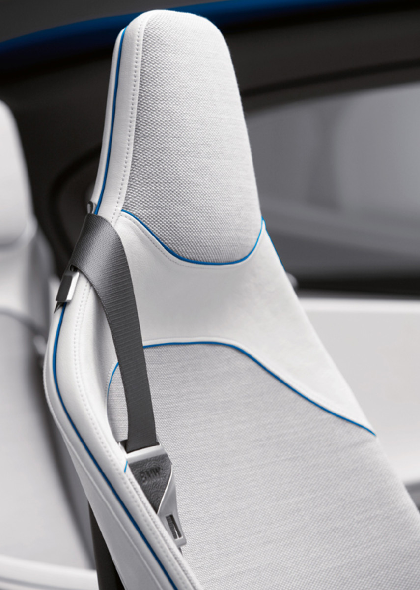 BMW-Vision-EfficientDynamics-studio-07