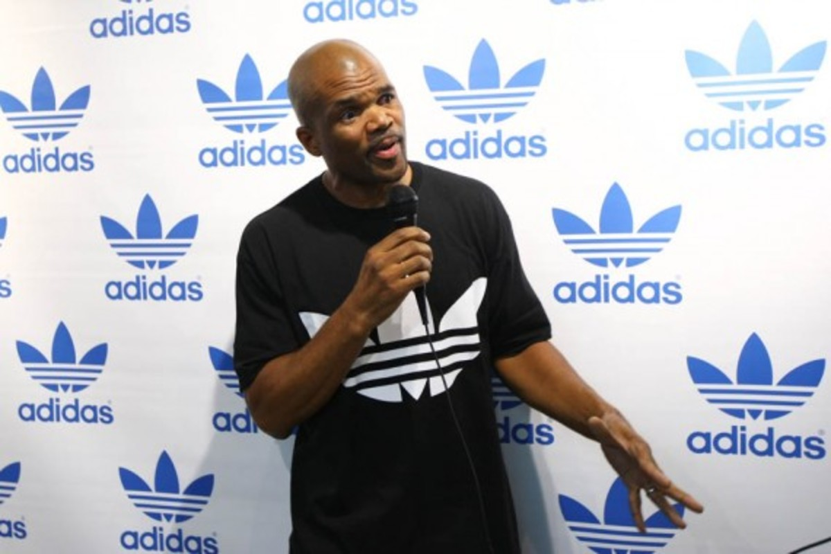adidas-originals-dmc-queens-mall-17