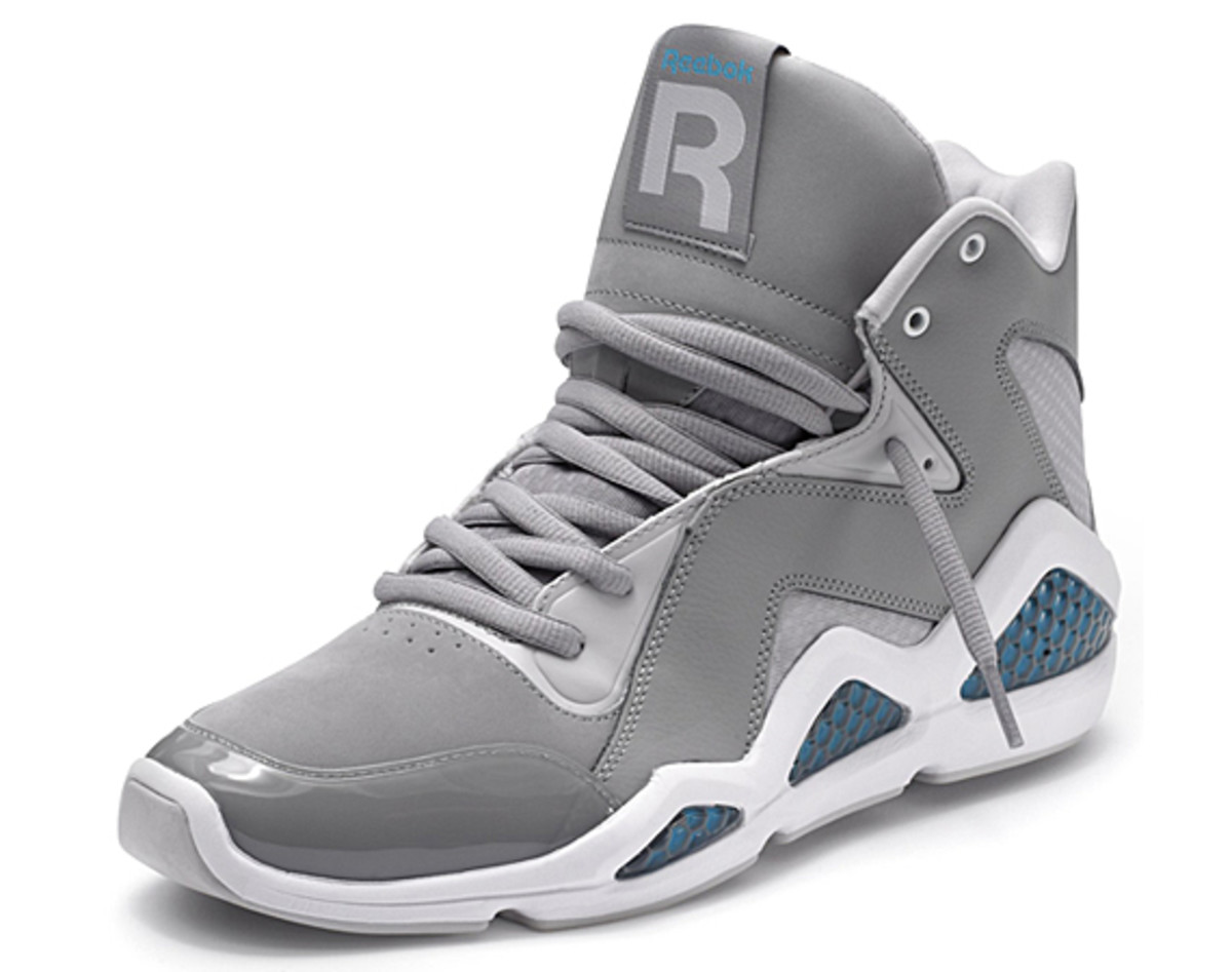 reebok-classics-kamikaze-carbon-steel-feather-blue-01