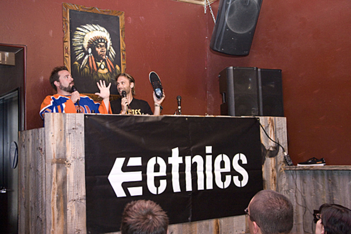 kevin-smith-etnies-smeakers-sdcc-2011-launch-05